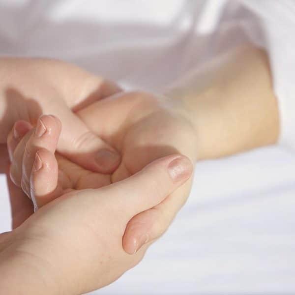 Elbow & wrist pain | Bodywell Healthcare